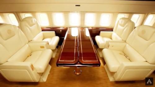 プライベートジェット機を持っている有名人ってどんな人?